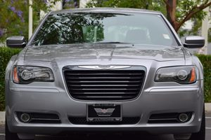 2014 Chrysler 300 300S Carfax 1-Owner 180 Amp Alternator 265 Axle Ratio Airbag Occupancy Senso