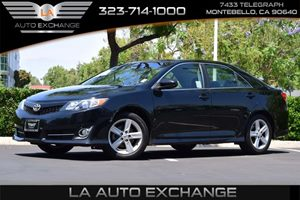 2014 Toyota Camry SE Carfax 1-Owner - No AccidentsDamage Reported 363 Axle Ratio Convenience