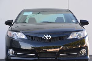 2014 Toyota Camry SE Carfax 1-Owner - No AccidentsDamage Reported  Attitude Black Metallic