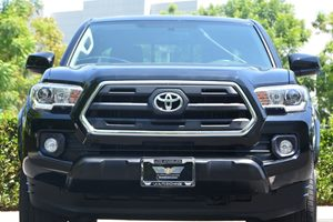 2017 Toyota Tacoma SR5 Carfax 1-Owner - No AccidentsDamage Reported  Black  We are not respon
