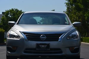 2014 Nissan Altima 25 SV Carfax 1-Owner - No AccidentsDamage Reported  Brilliant Silver Metal
