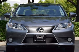 2014 Lexus ES 350  Carfax 1-Owner - No AccidentsDamage Reported  Nebula Gray Pearl  We are no