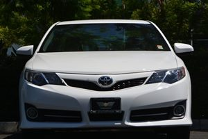 2014 Toyota Camry SE Carfax 1-Owner - No AccidentsDamage Reported  Super White 18996 Per Mo