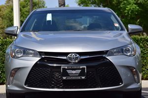 2015 Toyota Camry SE Carfax 1-Owner - No AccidentsDamage Reported  Celestial Silver Metallic