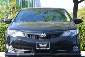 2014 Toyota Camry SE Carfax 1-Owner  Attitude Black Metallic 18347 Per Month -ON APPROVED CR