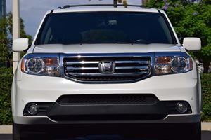2015 Honda Pilot Touring Carfax 1-Owner - No AccidentsDamage Reported  White Diamond Pearl  W
