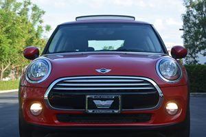 2014 MINI Cooper Hardtop Cooper Carfax 1-Owner - No AccidentsDamage Reported  Blazing Red Meta