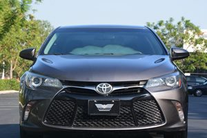 2015 Toyota Camry SE Carfax 1-Owner - No AccidentsDamage Reported  Gray ---  20295 Per M