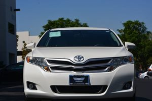 2014 Toyota Venza LE Carfax 1-Owner - No AccidentsDamage Reported  White  We are not responsi