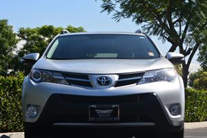 2015 Toyota RAV4 XLE Carfax 1-Owner - No AccidentsDamage Reported  Classic Silver Metallic 24
