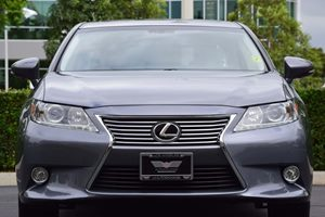 2013 Lexus ES 350 Base Carfax 1-Owner - No AccidentsDamage Reported  Nebula Gray Pearl  We ar