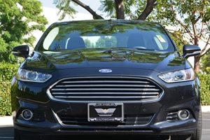 2015 Ford Fusion Energi Titanium Carfax 1-Owner  Tuxedo Black ---  22894 Per Month -ON AP