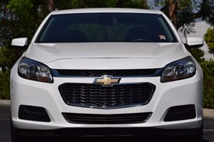 2015 Chevrolet Malibu LT Carfax 1-Owner  Summit White  We are not responsible for typographica