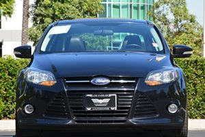 2014 Ford Focus Titanium Carfax 1-Owner - No AccidentsDamage Reported  Tuxedo Black Metallic