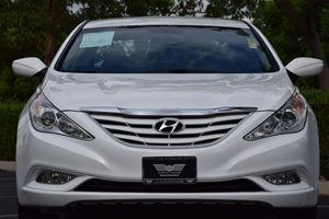 2013 Hyundai Sonata GLS Carfax 1-Owner - No AccidentsDamage Reported 110-Amp Alternator 3-Point