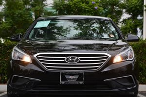 2016 Hyundai Sonata SE Carfax 1-Owner - No AccidentsDamage Reported  Phantom Black 16398 Pe