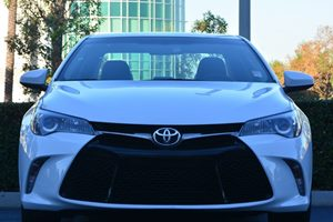 2016 Toyota Camry SE Carfax 1-Owner - No AccidentsDamage Reported  Super White  We are not re
