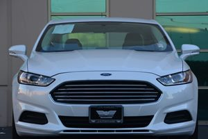 2016 Ford Fusion SE Carfax 1-Owner  White  We are not responsible for typographical errors Al