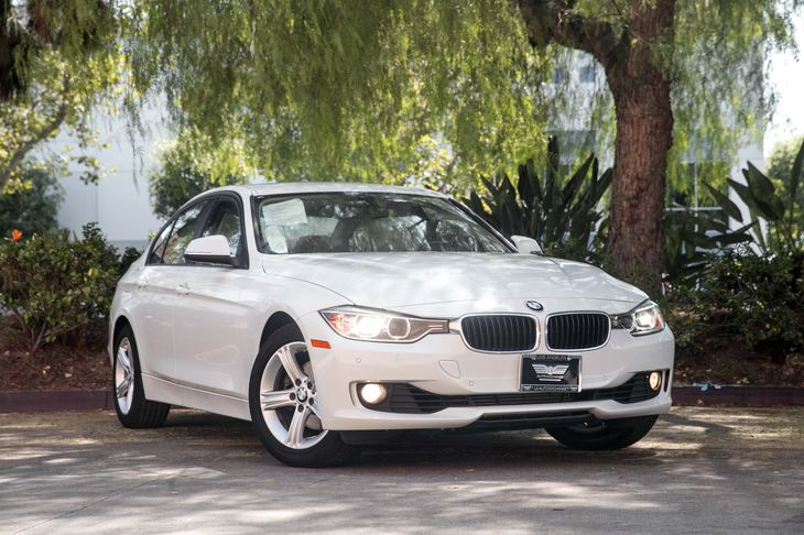 2015 BMW 3 Series 328i  White TAKE ADVANTAGE OF OUR PUBLIC WHOLESALE PRICING GOING ON RIGHTNO
