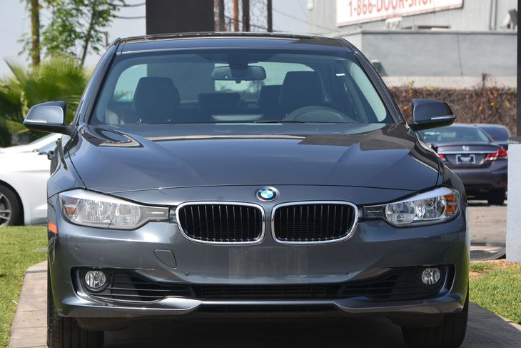 2015 BMW 3 Series 328i  Mineral Gray Metallic TAKE ADVANTAGE OF OUR PUBLIC WHOLESALE PRICING