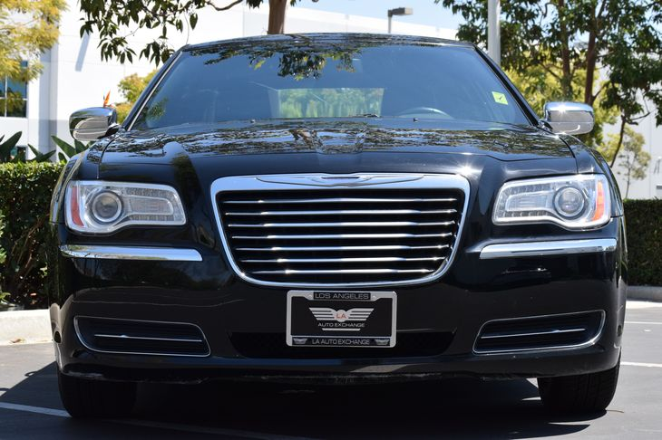 2014 Chrysler 300  6 Speakers Air Conditioning Multi-Zone AC Audio Auxiliary Audio Input Aud