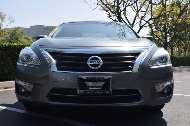 2015 Nissan Altima 25 SV  Gray TAKE ADVANTAGE OF OUR PUBLIC WHOLESALE PRICING GOING ON RIGHT
