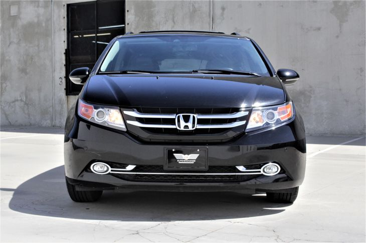 2015 Honda Odyssey Touring Passenger Capacity 8 Crystal Black Pearl TAKE ADVANTAGE OF OUR PU