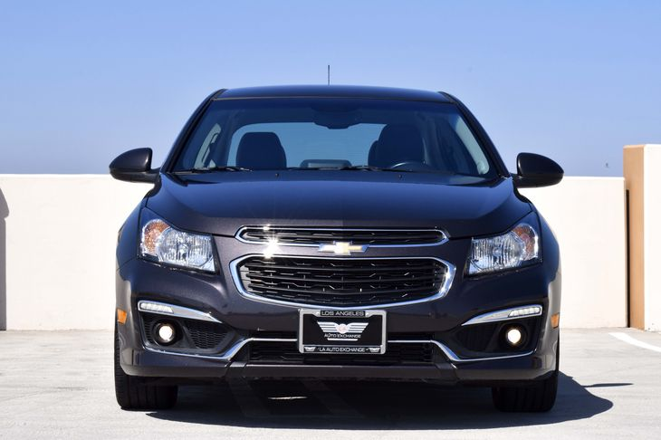 2015 Chevrolet Cruze 2LT Auto  Gray TAKE ADVANTAGE OF OUR PUBLIC WHOLESALE PRICING GOING ON R