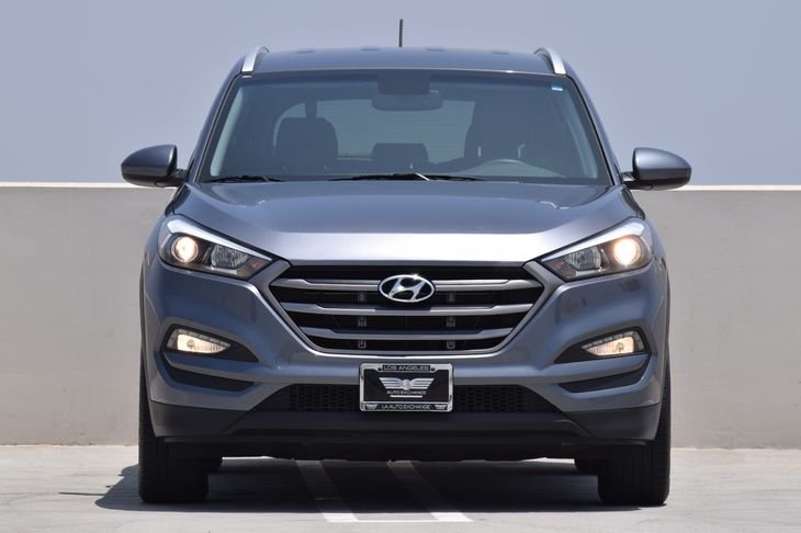 2016 Hyundai Tucson SE  Gray TAKE ADVANTAGE OF OUR PUBLIC WHOLESALE PRICING GOING ON RIGHTNOW