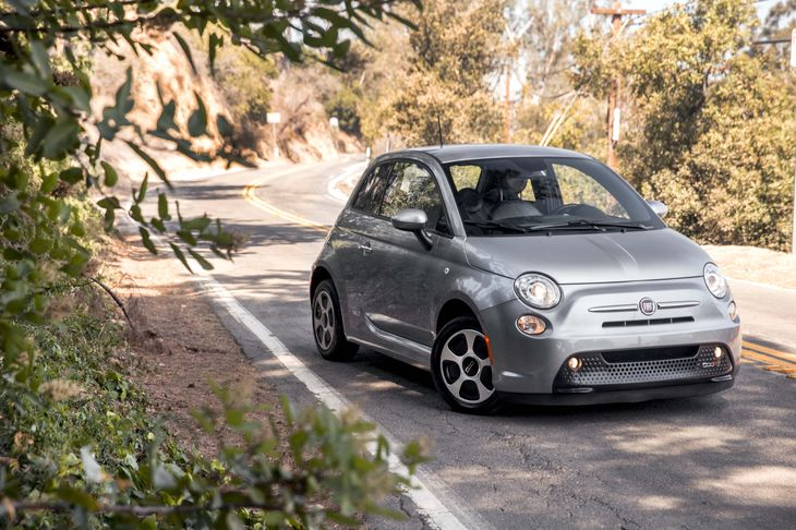 2015 FIAT 500e Base Air Conditioning Climate Control Audio Auxiliary Audio Input Audio Cd Pla