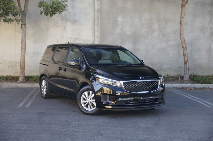 2017 Kia Sedona LX  Aurora Black All advertised prices exclude government fees and taxes any f