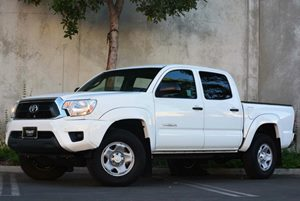 2014 Toyota Tacoma PreRunner Carfax 1-Owner - No Accidents  Damage Reported to CARFAX Air Condit