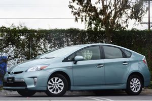 2012 Toyota Prius Plug-In  Carfax 1-Owner - No Accidents  Damage Reported to CARFAX 4 Cylinders
