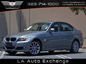 2011 BMW 3 Series 328i xDrive Carfax Report Air Conditioning  Climate Control Convenience  Cru
