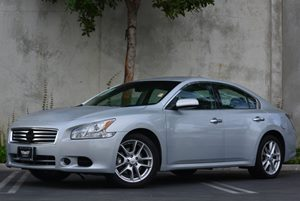 2012 Nissan Maxima 35 S Carfax 1-Owner - No Accidents  Damage Reported to CARFAX Air Conditioni