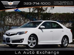 2012 Toyota Camry SE Carfax 1-Owner  Super White  All advertised prices exclude government fee