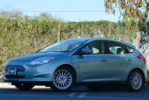 2012 Ford Focus Electric  Carfax 1-Owner 0 Cylinders 17 Aluminum Wheels Air Conditioning  A