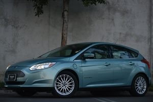 2012 Ford Focus Electric  Carfax 1-Owner 2 42 Color Lcd Driver Configurable Displays 107-Kw