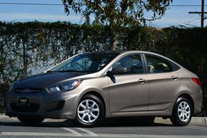 2013 Hyundai Accent GLS Carfax 1-Owner - No Accidents  Damage Reported to CARFAX Air Conditionin
