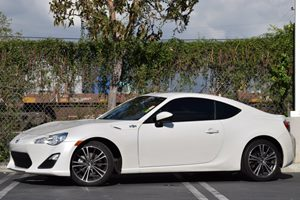 2014 Scion FR-S  Carfax 1-Owner 4 Cylinders Displacement  2L Engine Engine Type  4 Cylinder E