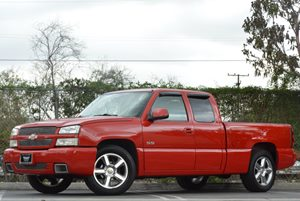 2004 Chevrolet Silverado SS  Carfax Report - No Accidents  Damage Reported to CARFAX Air Conditi
