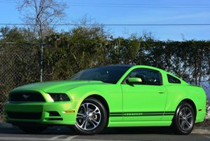 2013 Ford Mustang V6 Carfax 1-Owner - No Accidents  Damage Reported to CARFAX Air Conditioning