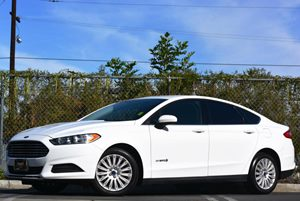 2014 Ford Fusion S Hybrid Carfax 1-Owner - No Accidents  Damage Reported to CARFAX Air Condition