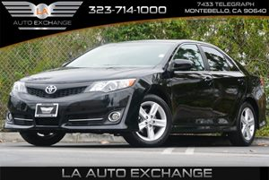 2013 Toyota Camry SE Carfax 1-Owner - No Accidents  Damage Reported to CARFAX 6-Way Manual Drive
