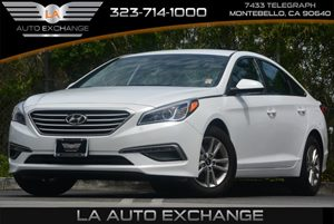 2015 Hyundai Sonata 24L SE Carfax 1-Owner - No Accidents  Damage Reported to CARFAX 5 Person Se