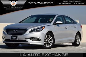 2015 Hyundai Sonata 24L SE Carfax 1-Owner  Symphony Silver  We are not responsible for typogr