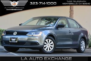 2014 Volkswagen Jetta Sedan S Carfax 1-Owner - No AccidentsDamage Reported  Platinum Gray Meta