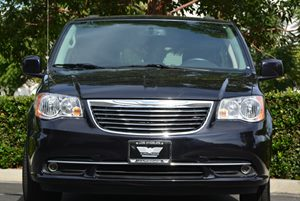 2013 Chrysler Town  Country Touring Carfax 1-Owner  Gray  We are not responsible for typograp