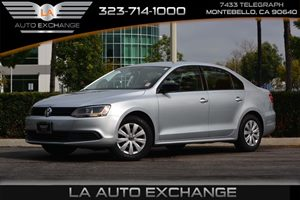 2014 Volkswagen Jetta Sedan S Carfax 1-Owner  Moonrock Silver Metallic  We are not responsible