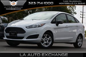 2015 Ford Fiesta SE Carfax 1-Owner - No AccidentsDamage Reported 4 Cylinders Air Conditioning